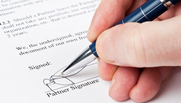 Ten Top Tips for Successful Contracts